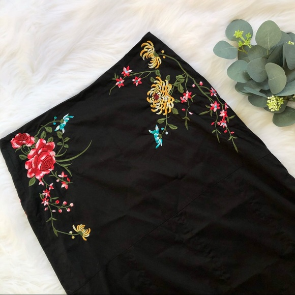Anthropologie Dresses & Skirts - Anthro- Odille Floral Embroidered A-line Skirt